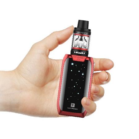 Vaporesso Revenger Mini elektromos cigaretta keszlet NRG SE tankkal 2500 mAh kezben